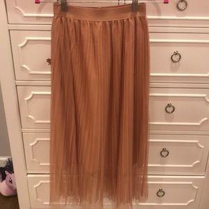 Zara ladies blush pleated net skirt . New. Size M